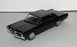 1964 pontiac grand prix hardtop promo model car  model cars 80bc50d2 d846 4179 9b34 a9c8060a5193 medium