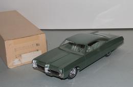 1967 pontiac bonneville convertible promo model car  model cars dae1dc0e d688 4a56 b36f c9bd976ab071 medium