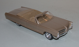 1966 pontiac bonneville convertible promo model car  model cars 77f99998 5e1b 40c0 b87d 26858ebf4c26 medium