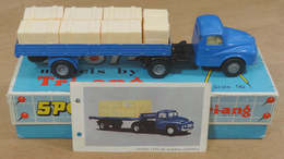 Austin prime mover flat float with sides and crates model trucks 9dd31bdd b3cf 4c8c 88d5 31277667762a medium