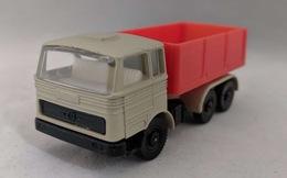 Mercedes benz truck model trucks 74ebe52d 94ad 4043 a3ea edbbc1db9a0b medium