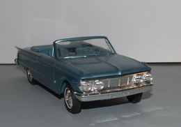 1963 mercury comet s 22 convertible promo model car  model cars 4e0a49f4 74dd 472b b139 cca7c1d36a89 medium