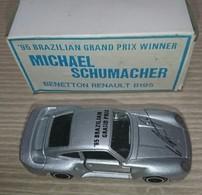 Porsche 959 model cars 1aa7d133 fd88 4d03 ac46 79f3aab025c1 medium