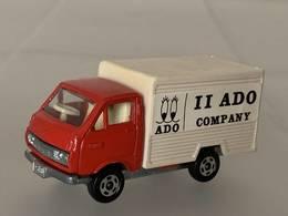Toyota hiace refrigerated truck model trucks b83d6e59 4dd6 4d54 998c bb9bab2d8703 medium