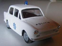 Daf 33 politie model cars 92780a55 b2dd 4e23 8bc6 e1f5329b1914 medium