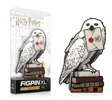 Hedwig pins and badges 4bdbecc4 c6b3 4802 9722 da382a6a0a70 medium