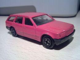 Corgi mercedes benz 300 td w124 kombi model cars f264e4eb 0ef0 4e99 a031 b1870af0ed63 medium