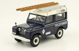 Land rover santana 88 %25281989%2529 telef%25c3%25b3nica model cars 9d042e33 0fcd 42cc 9301 ccad32ba7ef3 medium