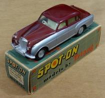 Bentley sports saloon model cars d26b9fa0 382f 4290 8c31 babc74bab6ab medium