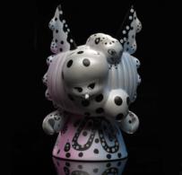Moirai dunny vinyl art toys f8d61b15 06a2 49e1 8fee c674aad54316 medium