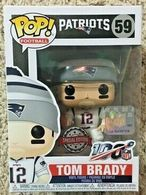 Tom brady %2528white hat%2529 vinyl art toys a23f500e e576 4b66 96d4 3dd10c95fe68 medium