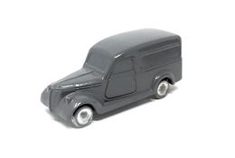 Fiat 1100 blr furgone %25281948%2529 model trucks 3df195a5 ed28 4baa 9a78 08d12c90acd2 medium
