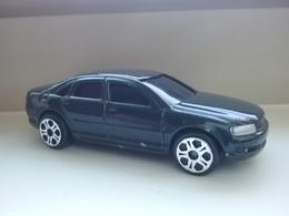 Audi a8 4.2 quattro model cars 683cb2e3 ffb6 4345 87b2 a240fc72f106 medium