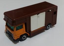 Bedford horse box model trucks 7f7885f4 08a5 4f0e b1fa c1da6e0582b1 medium