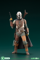 The mandalorian statues and busts b7a4dd75 1e9b 45be b129 4a9ae391b087 medium