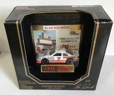 1993 ford thunderbird nascar model racing cars 8775e62e ebe5 4e78 9475 0d78782b0df9 medium