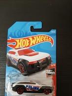 Hw pursuit model cars ed4262bd 3672 4bc3 91f3 580af7903322 medium