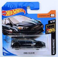 Ford focus rs model cars 8e282d44 f489 48a6 a4bc 0e17168816b0 medium