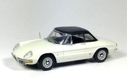 Alfa romeo spider duetto hardtop model cars ede1b337 80bd 476d a9cb 2c410ee7672f medium