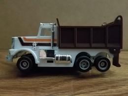 Operating truck slot cars 5bf8cff6 931a 4915 9c5c 859845eb2a44 medium