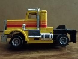 Operating truck slot cars cba82031 e8a4 4a2d a38f 17780b1c69ce medium