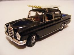 Universal hobbies james bond car collection mercedes benz %252760%2527 w111 220s saloon model cars 50988938 4acd 4ae0 b6a9 441dc1fa0892 medium