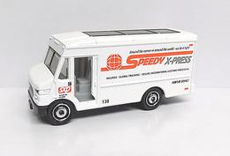 express delivery model trucks 1c5b1efe 6be8 4ead 9390 7cfc2754a52f medium
