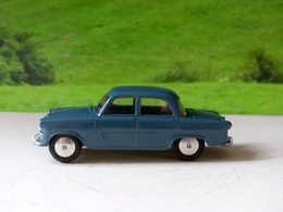 Raf standard vanguard iii staff car model cars d98a3f3a 0fc1 4774 aa5b ce478952d850 medium