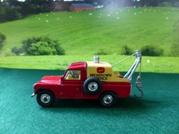 Land rover breakdown truck model cars 94dfa2af e292 4b3a b82d ae363a173ff3 medium
