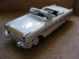 New ray pontiac 1957 star chief custom bonneville convertible model cars f18c4b13 5259 4bf0 942f d89701115db9 medium