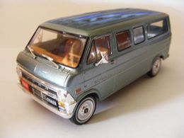 Ford '73' E Series Econoline Window Van | Model Trucks