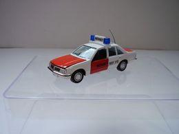 "Opel Rekord E1 Limousine ""Notarzt"" | Model Cars"