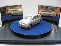 Majorette serie 200 renault scenic model cars 17045d0a ae16 4507 ab38 523a96b51bef medium