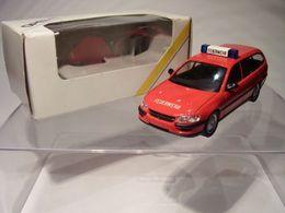 Schuco opel omega b caravan model cars 32540258 f42e 4d89 9462 67802b7d11c2 medium