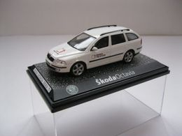 Abrex skoda octavia combi 2004 model cars df986e32 315a 421c ae49 6293e81c337c medium