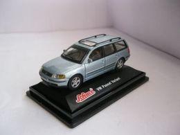 Schuco volkswagen passat variant 1997 model cars 0f50f965 0fe4 4944 9eb8 d64aae6af9e7 medium