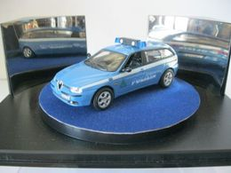 Cararama junior rescue alfa romeo 156 sportwagon model cars 57ee7c92 5cb8 49c2 b3a2 7058e867ad1b medium