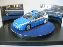 Fabbri auto della polizia alfa romeo 156 sportwagon model cars a37e9d17 a961 455a af07 cd741639c6dc medium