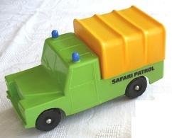 Lef landrover pickup with hood model cars d1d171e9 180c 4ba7 8d99 2400a69b8b5c medium