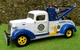 First gear chevrolet model trucks 3a3e8e50 c873 4eb6 b4f8 9c18fecc8547 medium