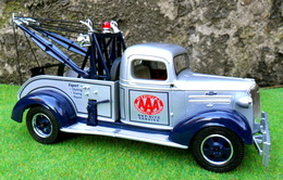 First gear chevrolet model trucks 883c033b f448 4658 8dea 279253e22129 medium