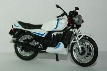 Yamaha RZ350 | Model Motorcycles | hobbyDB