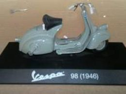 Fabbri passione vespa piaggio vespa model motorcycles 741136d5 e08a 4024 b13c 1903117cf54c medium