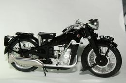 Altaya grandes motos clasicas de coleccion gnome  major 350 model motorcycles 2a6a21be 999b 448b 9853 6accbc2f887c medium