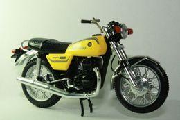 Altaya grandes motos clasicas de coleccion bultaco  metralla  model motorcycles 4e3cc8f8 47f1 4a8f bbe7 a8fea2a8bf5e medium
