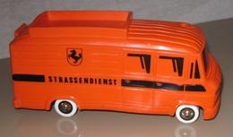 Bully mercedes benz bus model buses 7a740e8b fe90 4367 8a6f c4f236ffadb8 medium