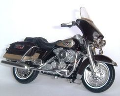 1998 Harley-Davidson 1340  FLHT Electra Glide 95th Anniversary | Model Motorcycles