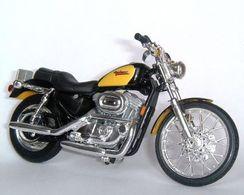 2000 Harley-Davidson XL 1200C Sportster 1200 Custom   Model Motorcycles