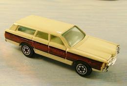 Yatming road tough ford station wagon model cars 14ef1ad9 fd1e 4dc7 b846 8935ea20a849 medium