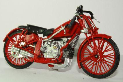 La moto Guzzi V9 Bobber Starline_Moto_Guzzi_Collection_Moto_Guzzi_Quattro_Cilindri_500_Model_Motorcycles_a720d680-7a4a-47f6-a587-1507ac716335